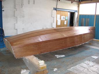 Stratification coque voilier contre-plaqué Lili 6,10